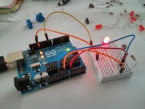 ArduinoStarterPack-06-325x244