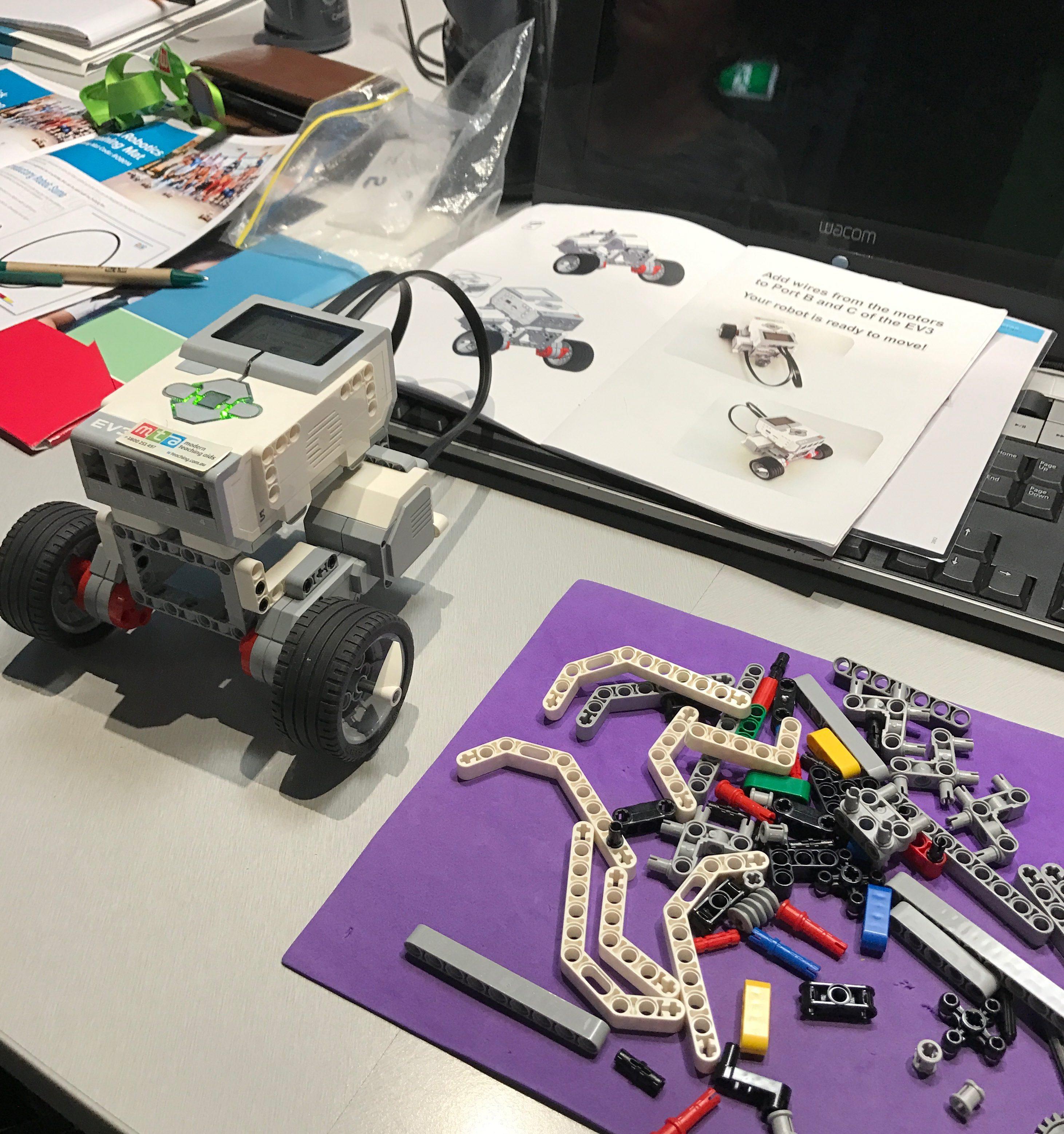 Coding with LEGO EV3 Robots - TinkeringChild